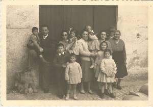 I figli di Antonia e Sante con i rispettivi coniugi e i loro figli.