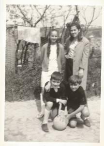 Gli ultimi arrivati, Sante e Pier Giorgio, insieme ad Antonietta e Maria Antonietta